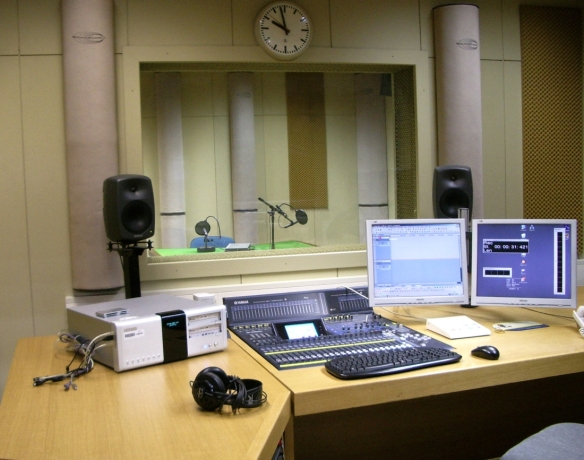 HRT_studio_radio_1_250409